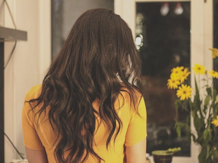 loose waves hairstyle